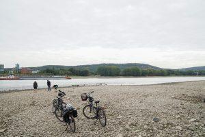 Pause am Rheinufer